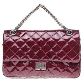 Chanel-Hervorragende Chanel Handtasche 2.55 aus burgunderfarbenem, gestepptem Leder, Garniture en métal argenté, in bester Verfassung!-Bordeaux