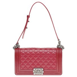 Chanel-Chanel Boy old medium handbag (25cm) garnet red quilted leather, Aged silver metal trim, En très bon état-Red