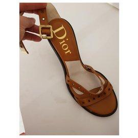 Dior-Des sandales-Marron