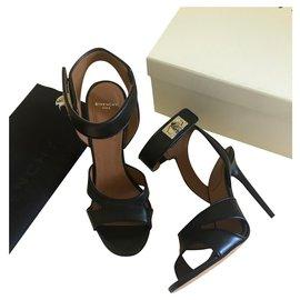 Givenchy-Sandalen-Schwarz