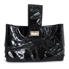 Chanel-PATENT BLACK 255 BAG CLUTCH-Black