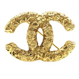 Chanel-Chanel CC Textured Gold Hardware Brooch-Golden