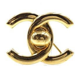 Chanel-Chanel CC Turnlock Gold Hardware Brooch-Golden