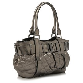 Burberry-Burberry Silver Beaton Leather Handbag-Silvery