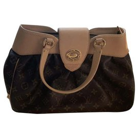 Louis Vuitton-Boetie-Light brown