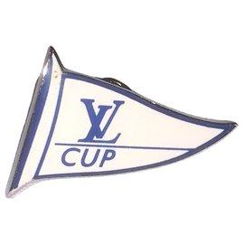 Louis Vuitton-LOUIS VUITTON CUP jacket pin.-Silvery,White,Blue