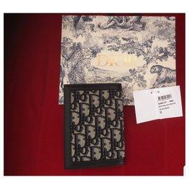 Dior-Bourses, portefeuilles, cas-Bleu Marine