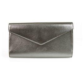 Yves Saint Laurent-YVES SAINT LAURENT Pochette enveloppe en cuir gris graphite Y Mail-Argenté