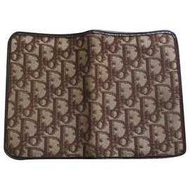 Christian Dior-Signature wallet, CANVAS AND LEATHER.-Brown