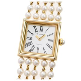 Chanel-Chanel White Mademoiselle Pearl Watch-White,Golden