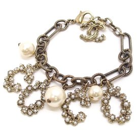 Chanel-Chanel Gold Faux Pearl Coco Bracelet-White,Golden