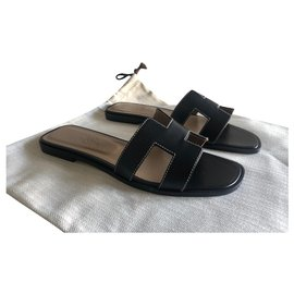 Hermès-Oran sandals-Black
