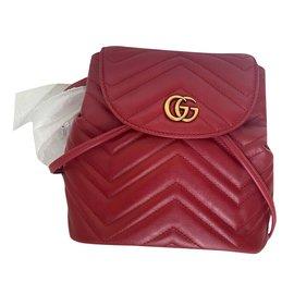 Gucci-Sac à dos matelassé Gucci GG Marmont-Rouge