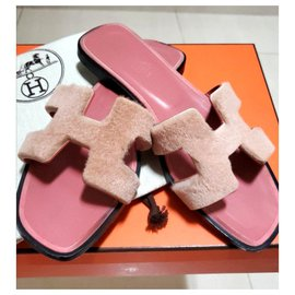 Hermès-Hermes Pink mink fur Oran sandals EU37-Pink