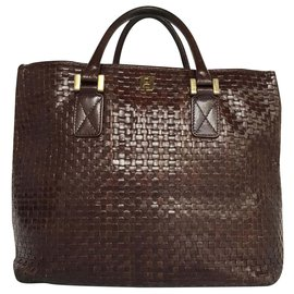 Fendi-Fendi Woven Leather Handbag-Dark brown