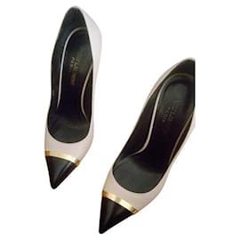 Yves Saint Laurent-Zweifarbige Lederpumps von St Laurent-Beige