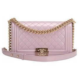 Chanel-Chanel Sac Boy violet clair , taille medium , condition parfaite , Neuf-Violet