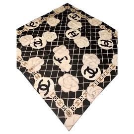 Chanel-CHANEL scarf with camellias-Black