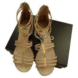 Chanel-Sandalen-Beige