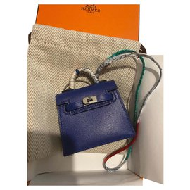 Hermès-Kelly Charme-Blau