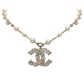 Chanel-Chanel White CC Faux Pearl Necklace-White,Golden