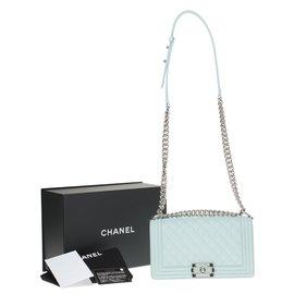 Chanel-Splendide sac Chanel Boy en cuir caviar vert d'eau, garniture en métal argenté brillant-Vert clair