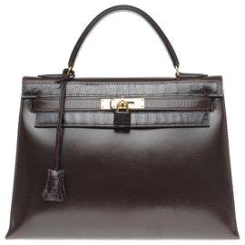 Hermès-Schöne Hermes Kelly 32 in benutzerdefiniertem braunem Boxleder mit braunem Porosuskrokodil, vergoldete Metallverkleidung-Braun