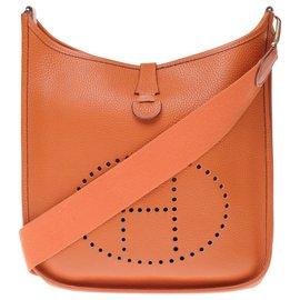 Hermès-Hermès Evelyne GM bag (Big model) Orange Togo leather, garniture en métal doré-Orange