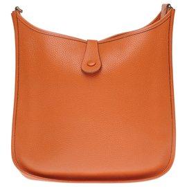 Hermès-Sac Hermès Evelyne GM (grand modèle) en cuir Togo orange, garniture en métal doré-Orange