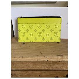 Louis Vuitton-Discovery pochette-Yellow