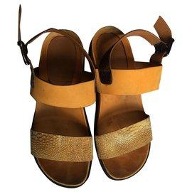 Céline-Des sandales-Jaune