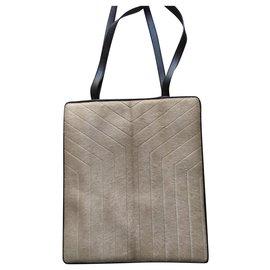 Yves Saint Laurent-Eine kleine YSL-Tasche-Beige