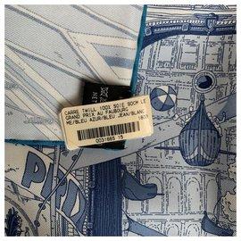 Hermès-Schals-Blau