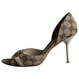 Gucci-Heels-Beige