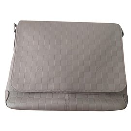 Louis Vuitton-Bezirk MM-Grau
