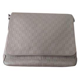 Louis Vuitton-district MM-Grey