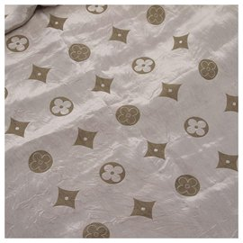 Louis Vuitton-Louis Vuitton Gray Monogram Silk Scarf-Grey
