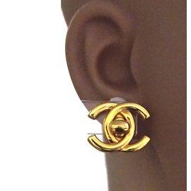 Chanel-Chanel Gold CC Interlock Clip On Earrings-Golden
