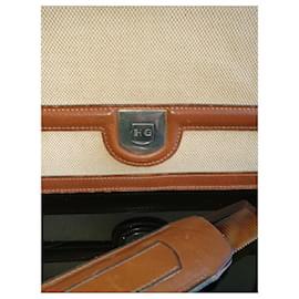 Hermès-Vintage-Beige