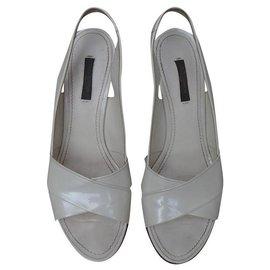 Louis Vuitton-Sandals-Cream