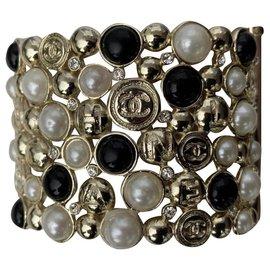 Chanel-Manschettenarmband-Golden