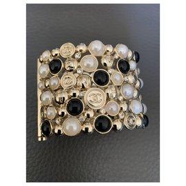 Chanel-cuff bracelet-Golden