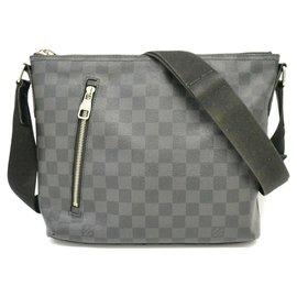 Louis Vuitton-Louis Vuitton handbag-Grey
