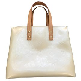 Louis Vuitton-Louis Vuitton Reade-Cream