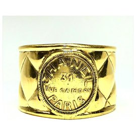 Chanel-Rare Vintage Gold Plated Rue Cambon Cuff Bangle-Golden