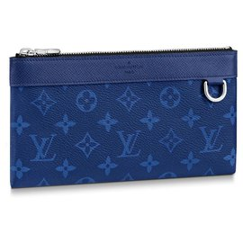 Louis Vuitton-Discovery pochette PM-Blue