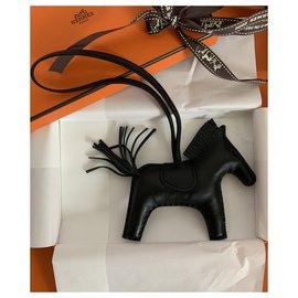 Hermès-Rodeo MM So Black-Noir