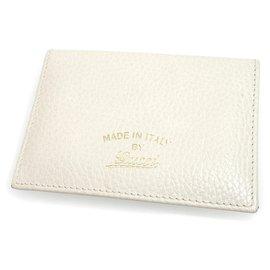 Gucci-Housse de passeport en cuir Swing blanc Gucci-Blanc