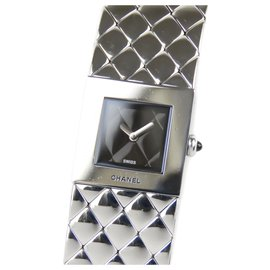 Chanel-Chanel Silver Quilted Mademoiselle Watch-Black,Silvery