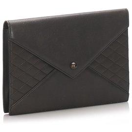 Yves Saint Laurent-YSL Pochette en cuir noir-Noir